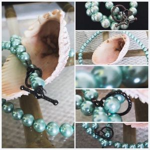 Jewelry - Beautifully handmd turquoise M-O-P necklace🧜♀️